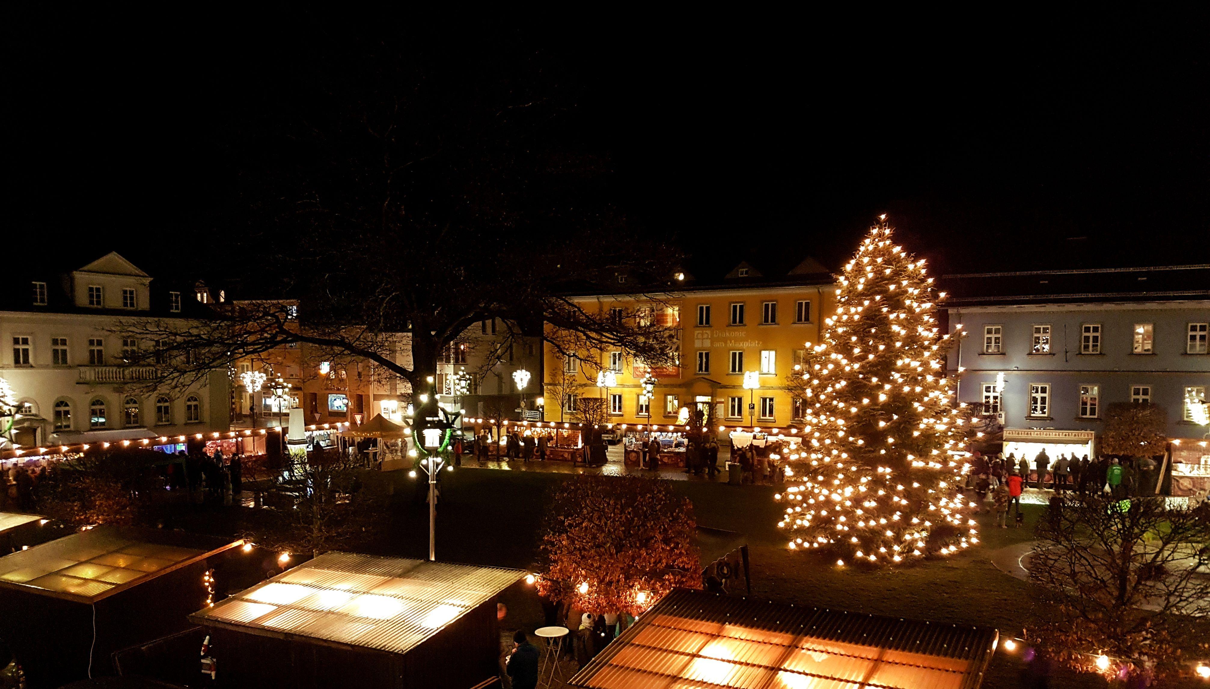 Das Weihnachtsmarkt.Weihnachtsmarkt Stadt Rehau